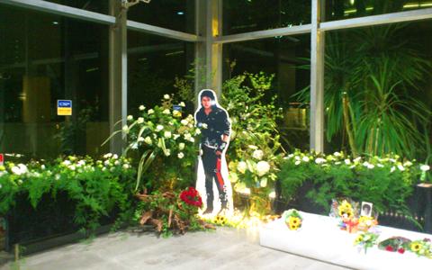 MJイベント 献花台設置しました。